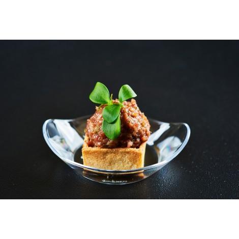 Mini slaná tartaletka s lehce pikantním hovězím tartarem